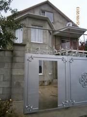 Продаётся двухэтажный жилой дом с мансардой и пристройкой г.Симферполь