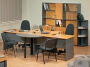 Продается офисная мебель: 3 стола,  3 тумбы,  кресла и стулья